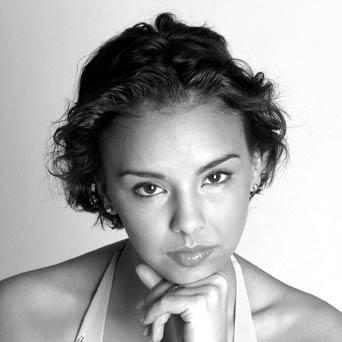 La cantante Chenoa actuará el día 8 de agosto en Almendralejo y  Andrés Calamaro el 16 de agosto