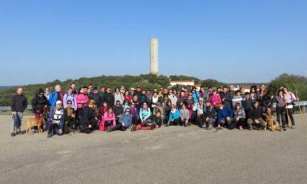 Más de 70 senderistas se dan cita en la ruta celebrada por el entorno natural de la comarca de Coria