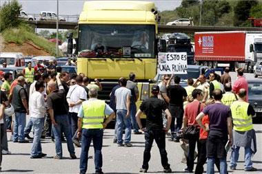 Fenadismer anuncia que la huelga de transportistas afectará a todo el territorio nacional a partir del lunes
