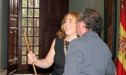 La nueva alcaldesa de Trujillo, Cristina Blázquez, pide diálogo y respeto en su toma de posesión