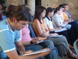 La Universidad de Extremadura impartirá este verano 39 seminarios y dos talleres en 15 poblaciones