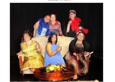 """La Casa de Cultura de Coria acogerá este sábado la obra """"Gente guapa, gente importante"""" y sevillanas"""
