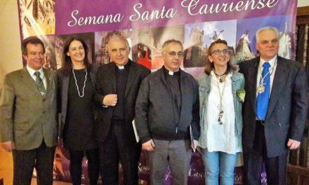 Coria apuesta por el carácter histórico de su Semana Santa durante su presentación en Mérida