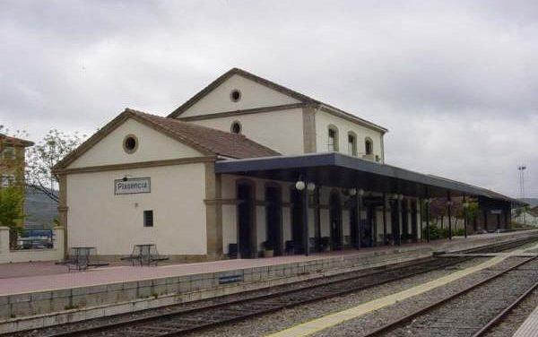 Varios pasajeros del tren Madrid-Plasencia denuncian los retrasos que sufren los fines de semana