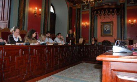 IU-SIEX ofrece moderación y el PP un tiempo de gracia a la nueva alcaldesa de Trujillo, Cristina Blázquez