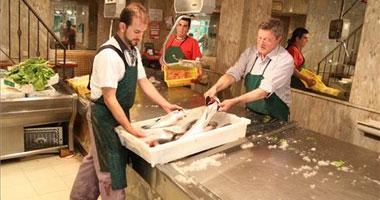 La huelga vacía las pescaderías e impide las reposiciones en los supermercados