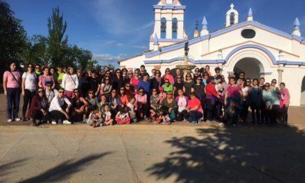 """En torno a 70 personas participan en la tradicional """"Subida a la Ermita"""" de la Virgen de Argeme"""