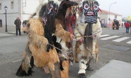 Las Carantoñas de Acehúche estarán representadas en un desfile de máscaras en las fiestas de Tarragona