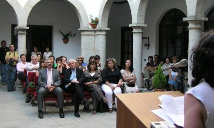 La obra 'Cartografía del desamor y otros relatos', de Ignacio Albert gana el Premio de Cuentos de Coria