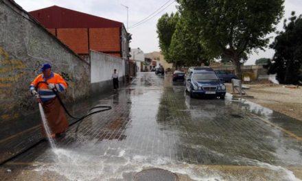Moraleja mejora la limpieza de las calles y avenidas de la localidad con la técnica del baldeo