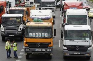 Fenadismer, Confedetrans y Antid suspenden temporalmente el paro del transporte que mantenían