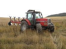 APAG transmite al Ejecutivo nacional la necesidad de renovar maquinaria agrícola en Extremadura