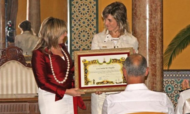 El Ayuntamiento de Trujillo se hermana con la localidad gaditana de Sanlúcar de Barrameda