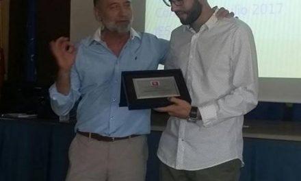 Asecoc premia a Juan José Álvarez por obtener el mejor expediente en la especialidad de Mecánica del IES Alagón