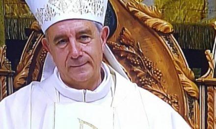 Cerca de 1.600 personas dan la bienvenida en la Catedral al nuevo obispo de la diócesis Jośe Luis Retana