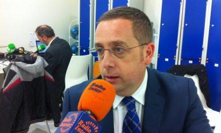 """El diputado del PP, Emilio Borrega, renuncia a su acta por motivos """"personales y profesionales"""""""