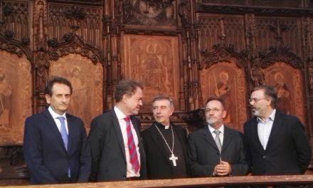 La nueva sillería del coro de la Catedral de Plasencia es motivo de orgullo para las instituciones implicadas