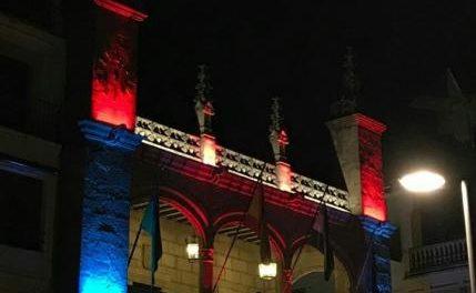 La nueva iluminación de la fachada del Ayuntamiento de Plasencia supondrá un ahorro energético
