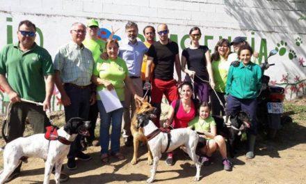 La Protectora de Animales y Plantas El Refugio de Plasencia crea una guía para adoptar animales