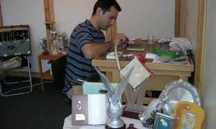 Torrejoncillo pondrá en marcha un centro de artesanía en un local en los bajos del ayuntamiento