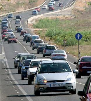 El 112 Extremadura gestiona 53 accidentes de tráfico durante la operación especial del Puente del Pilar