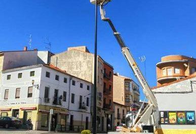 Coria instala nuevas farolas por valor de más de 35.800 euros para mejorar la eficiencia energética