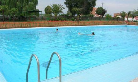 El Ayuntamiento de Moraleja adapta la zona de las piscinas a los usuarios con discapacidad