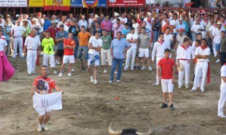 Santano mata al toro de la Juventud tras ser encerrado por la organización en la Plaza de San Pedro