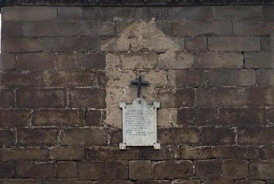Moraleja da cumplimiento a la Ley de Memoria Histórica con la retirada de una placa dedicada a Primo de Rivera