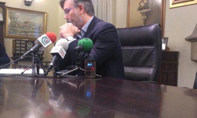 """Fernando Pizarro dice que Victoria Domínguez """"intenta echar la mierda a todo el mundo"""""""