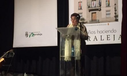 Moraleja homenajea a los 106 concejales que han pasado por el consistorio en estos años de democracia