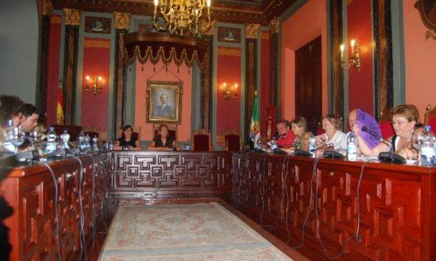 El pleno de Trujillo debatirá la liberación de la alcaldesa en otra sesión tras no existir acuerdo entre los grupos