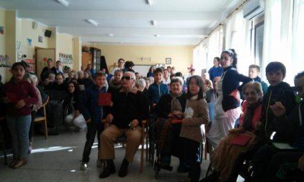 """El Colegio Virgen de la Vega y el Centro """"La Inmaculada"""" de Coria participan en un programa intergeneracional"""