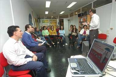 La Junta destina 4 millones de euros a ayudas para la formación de personas trabajadoras ocupadas