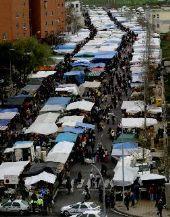 Vendedores y usuarios piden un lugar céntrico y accesible para el mercadillo de los miércoles de Cáceres