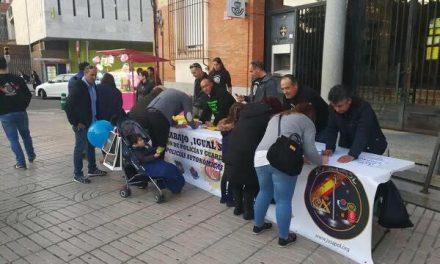 Policías nacionales y guardias civiles recogerán firmas en Moraleja para lograr la igualdad salarial
