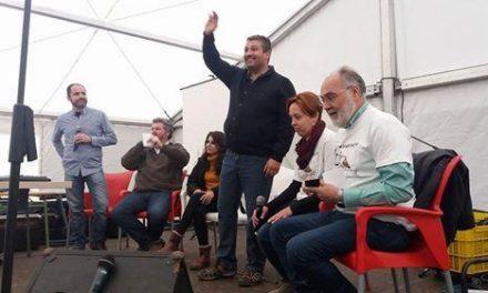Un centenar de personas se congregan en Plasencia para pedir el indulto del exalcalde de Carcaboso