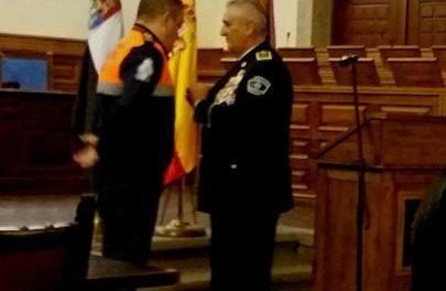 El coordinador de Protección Civil Plasencia recibe la medalla de honor de la Policía Aérea