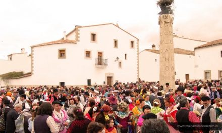 El periodista Alonso de la Torre y las Amas de Casa recibirán el premio Patatera de Honor y Patatera Popular
