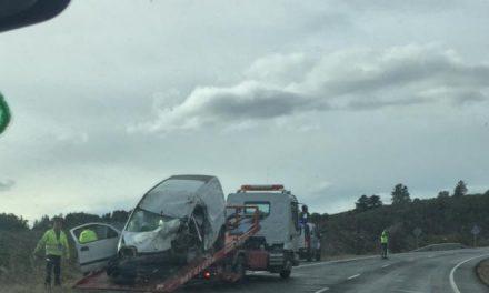 Un accidente de tráfico cerca de Perales del Puerto se salda con una persona fallecida y cinco heridas