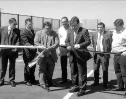 Fernández Vara inaugura el segundo tramo de carretera de la circunvalación oeste que une la EX-300 y la A-66
