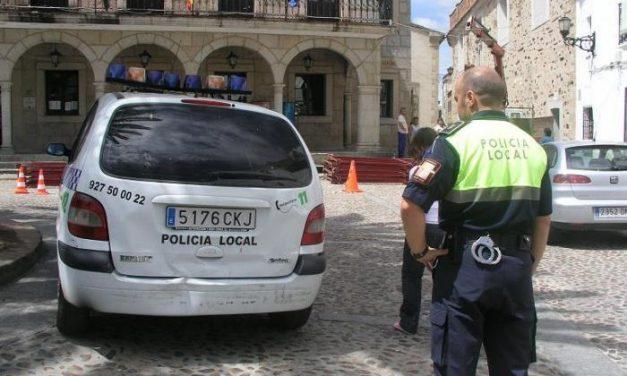 Un accidente de tráfico ocurrido esta misma mañana causa dos bajas laborales en la Policía de Coria