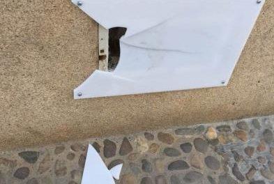 El alcalde de Moraleja denuncia públicamente los actos vandálicos cometidos en el puente viejo