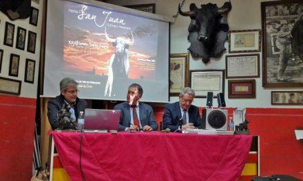 Coria presenta las virtudes de sus fiestas de San Juan en el Museo del Club Taurino de Badajoz