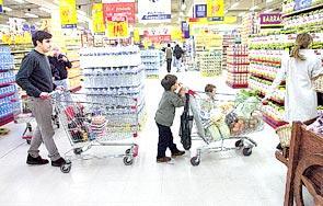 La subida de tipos de interés y el precio de la vivienda frenan el consumo familiar