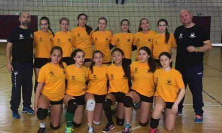 Tres jugadoras del equipo infantil de voleibol de Moraleja están entre las doce mejores de Extremadura