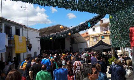Pescueza reúne a unas 7.000 personas en la undécima edición del Festivalino a pesar de la lluvia