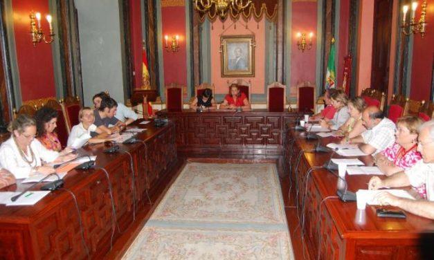 IU vota en contra de la dedicación exclusiva de la alcaldesa de Trujillo que percibirá 2.100 euros al mes