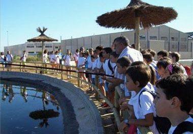 Don Benito comercializará tencas y repoblará las charcas de la zona en la Granja Educativa Municipal