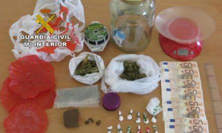 La Guardia Civil desarticula tres importantes puntos de venta de droga a jóvenes en Talayuela